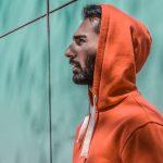 Hoodies so oznaka za tople, praktične in udobne puloverje s kapuco